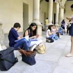 La mitad de los jóvenes españoles no son religiosos
