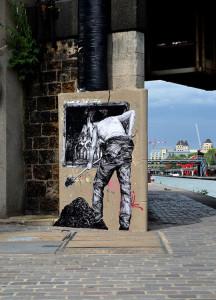 street-art-in-paris-by-levalet-21