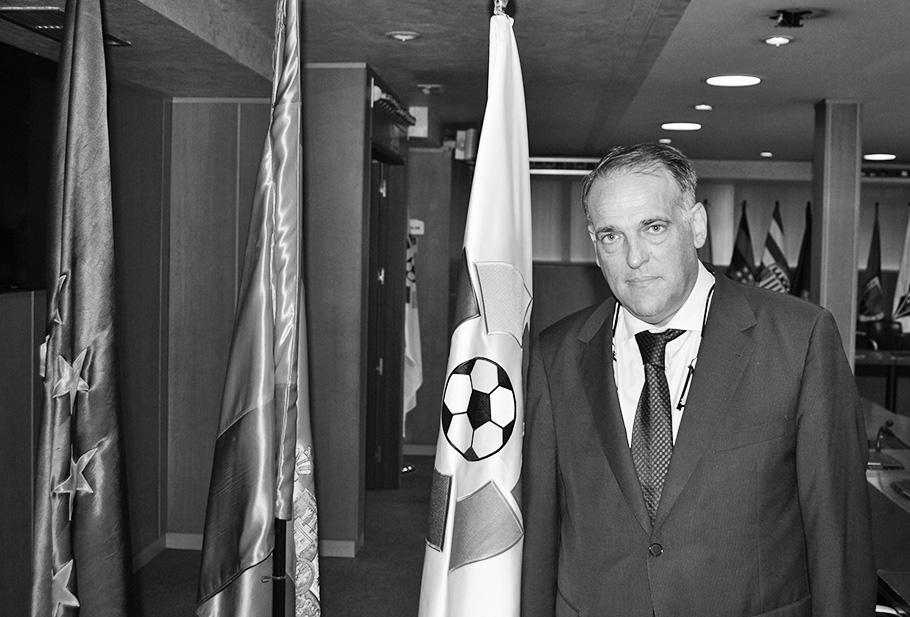 Javier Tebas banderas