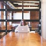 Casi ocho de cada diez empresas no contrata recién titulados