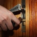 5 consejos para evitar robos en el hogar durante las vacaciones de Navidad