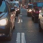 Tener un coche en Madrid o Barcelona cuesta 16 euros por hora