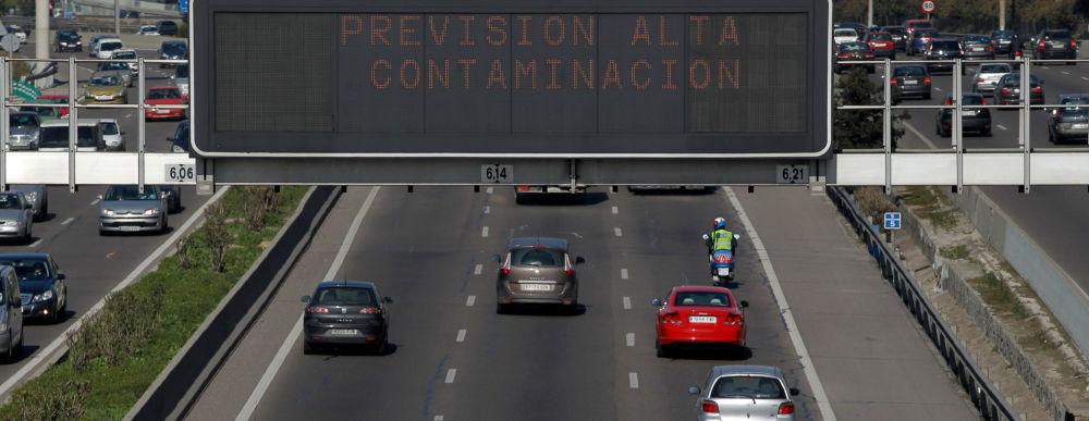 Tráfico coches contaminación