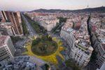 Vídeo: Un sol gigante en Barcelona en apoyo a las energías renovables