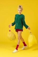Una colección hecha de botellas de plástico abre la Fashion Week