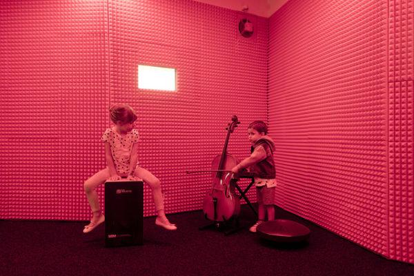 Play. Ciencia y música