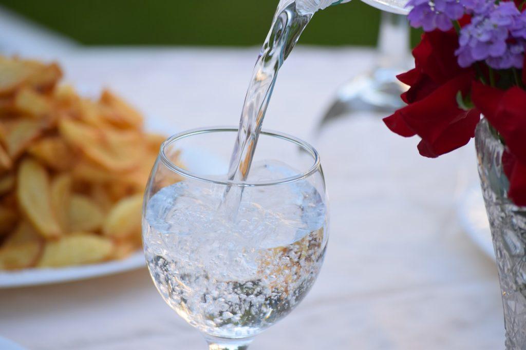 beber agua